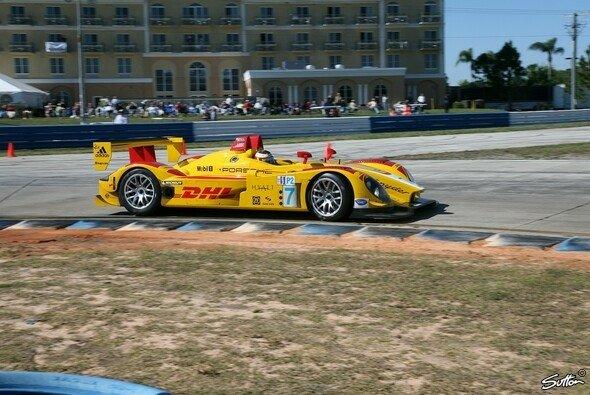 Porsche ist gerüstet für das Premierenrennen. - Foto: Sutton