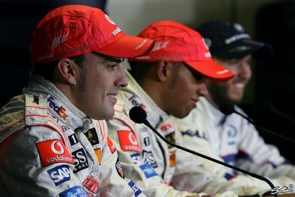 Kanada 2007: Alonso und Lewis Hamilton in der Pressekonferenz - Foto: Sutton