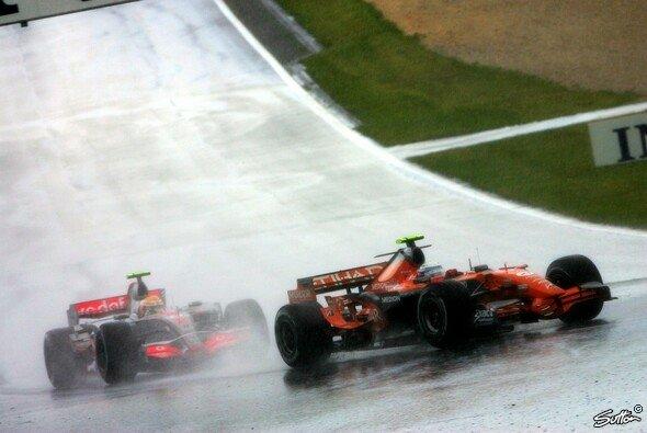 Markus Winkelhock schrieb 2007 im Regen Nürburgring-Geschichte - Foto: Sutton