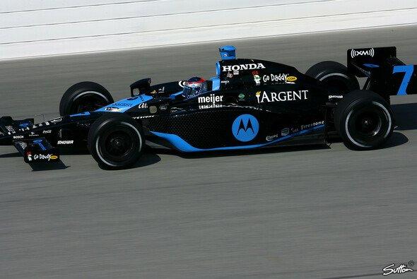 Danica Patrick fuhr die Bestzeit des 2. Testtages. - Foto: Sutton