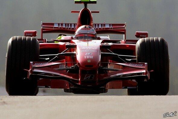 Räikkönen schnappte sich die Bestzeit. - Foto: Sutton