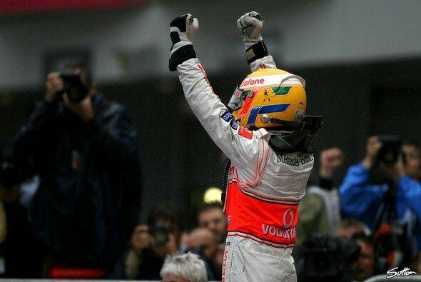 Lewis Hamilton macht sich keine Sorgen um seine Zukunft. - Foto: Sutton