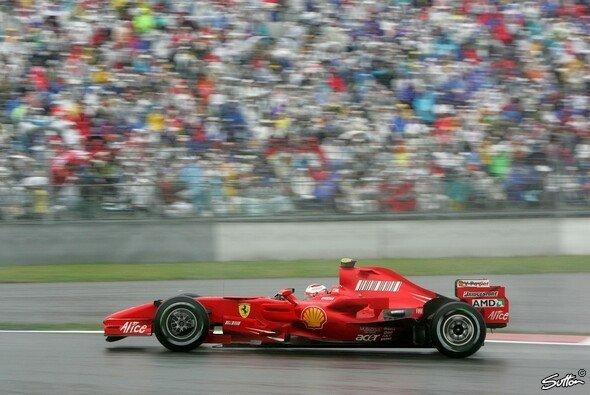 Kimi Räikkönen legte die Bestzeit vor. - Foto: Sutton