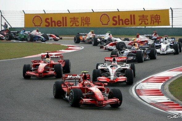 Räikkönen hält seine Chancen am Leben. - Foto: Sutton
