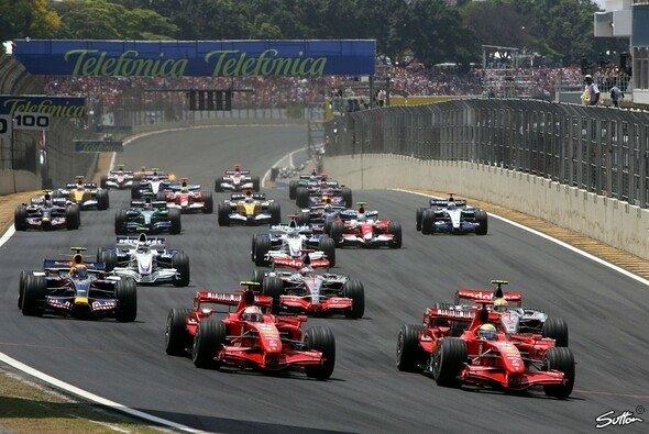 Räikkönen holt den Sieg und den Titel. - Foto: Sutton