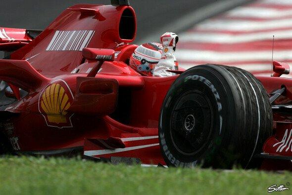 Kimi Räikkönen hat es geschafft. - Foto: Sutton