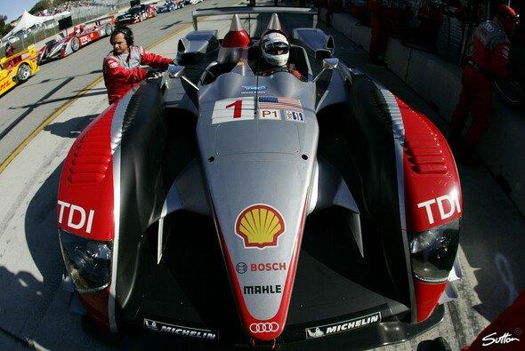 Audi startet aus den Reihen 3 und 4. - Foto: Sutton