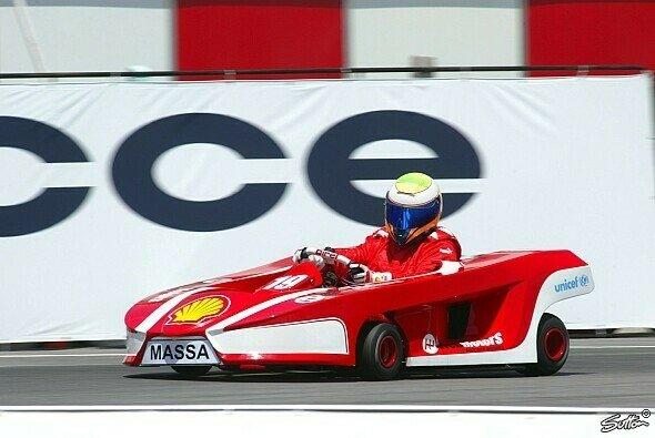 Felipe Massa hat geladen und viele kommen - Foto: Sutton