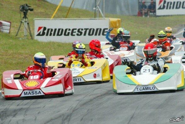 Bei Felipe Massas Kart-Event ging es wieder einmal rund - Foto: Sutton