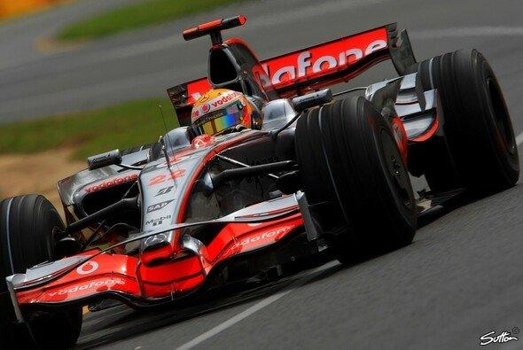 Lewis Hamilton ist der erste Polemann des Jahres. - Foto: Sutton