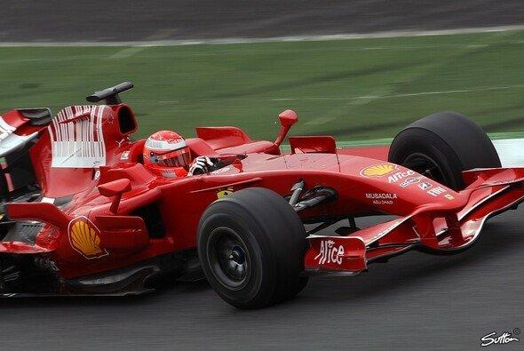 Michael Schumacher gab sich nur Alonso geschlagen. - Foto: Hartley/Sutton