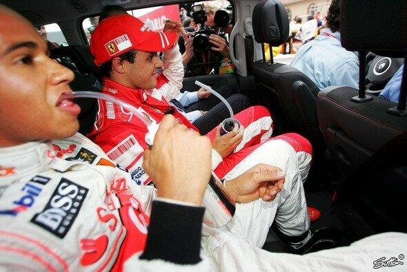 Müssen die F1-Stars bald alle einen Cola-Energydrink trinken?