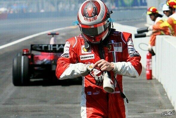 Motorsport-Magazin.com blickt hinter das Visier des Iceman - Foto: Sutton