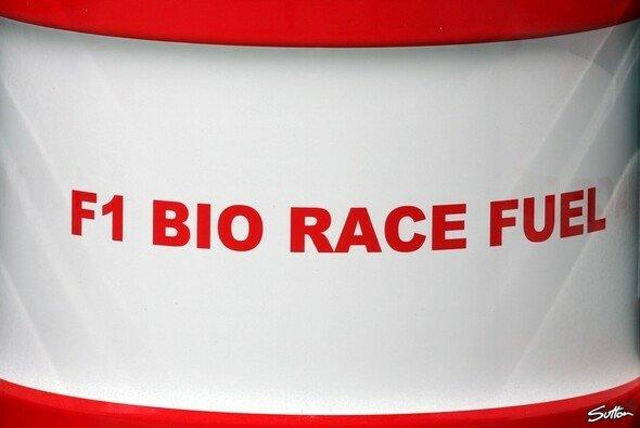 Der Bio-Anteil im Formel-1-Benzin soll in den nächsten Jahren steigen - Foto: Sutton