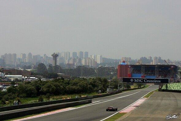 DRS macht's möglich: Auch auf der langen Gegengeraden soll in Interlagos 2011 für Spektakel gesorgt werden