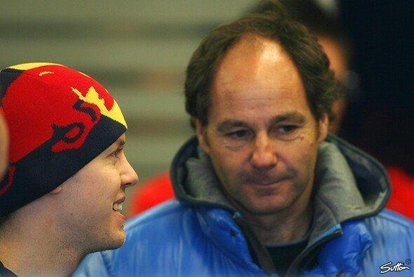 Gerhard Berger hat Sebastian Vettel und Red Bull noch nicht abgeschrieben - Foto: Moy/Sutton