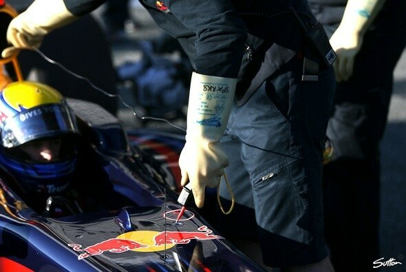 Bei Red Bull hat man KERS noch nicht abgeschrieben - Foto: Moy/Sutton