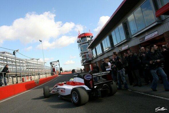 Philip Eng wurde im zweiten Training Zweiter hinter Piscopo - Foto: Hartley/Sutton