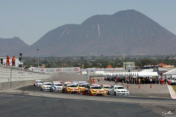 Puebla ist umgeben von Vulkanen und Bergen der Sierra Nevada - Foto: Sutton