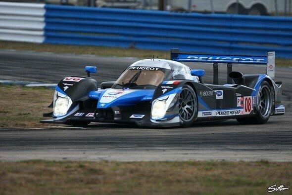 Peogeot holte sich den Doppelsieg nachdem das Rennen abgebrochen werden musste. - Foto: Sutton