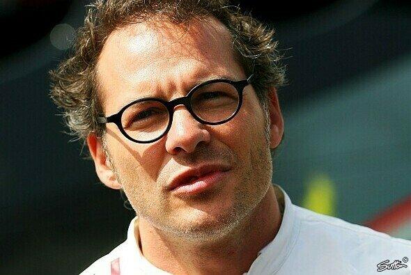 Die Regeländerungen 2011 sieht Jacques Villeneuve kritisch - ihm sind die Neuerungen zu künstlich - Foto: Sutton