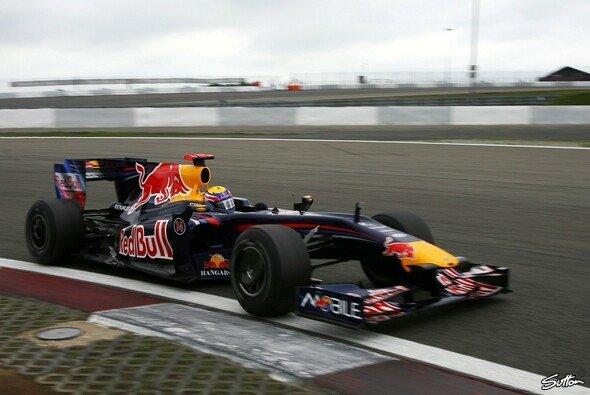 Mark Webber holte die erste Pole des Jahres. - Foto: Sutton