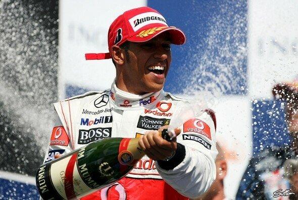 Lewis Hamilton setzte sich gegen die Konkurrenz durch. - Foto: Sutton