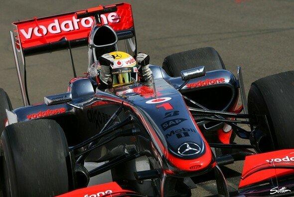 Lewis Hamilton feierte den ersten Saisonsieg. - Foto: Sutton