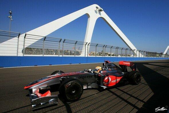 Lewis Hamilton steht auf der Pole Position. - Foto: Sutton