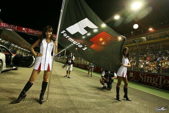 Formel 1 bei Nacht: Es gab viel zu lernen... - Foto: Sutton