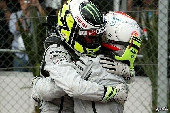 Barrichello gönnt Button den Titel - Foto: Sutton