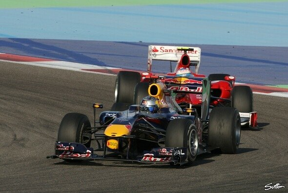 Sebastian Vettel gegen Fernando Alonso: Der Kampf geht weiter. - Foto: Sutton