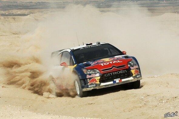 Sébastien Loeb fuhr schlussendlich ungefährdet zu seinem 56. Erfolg. - Foto: Sutton