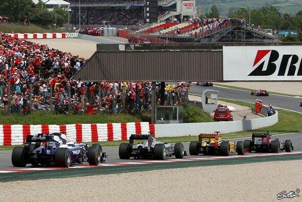 Mark Webber schnappte sich 2010 beim Spanien-GP den Sieg - Foto: Sutton