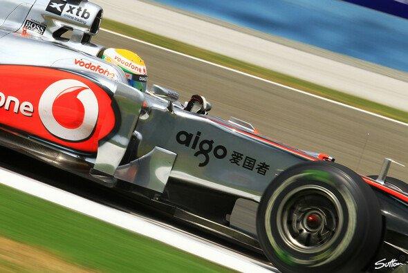 Lewis Hamilton fuhr seinen ersten Saisonsieg ein - Foto: Sutton