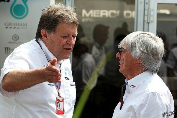 Norbert Haug hält nichts von einer Verschiebung des Bahrain-GP aufs Saisonende - Foto: Sutton