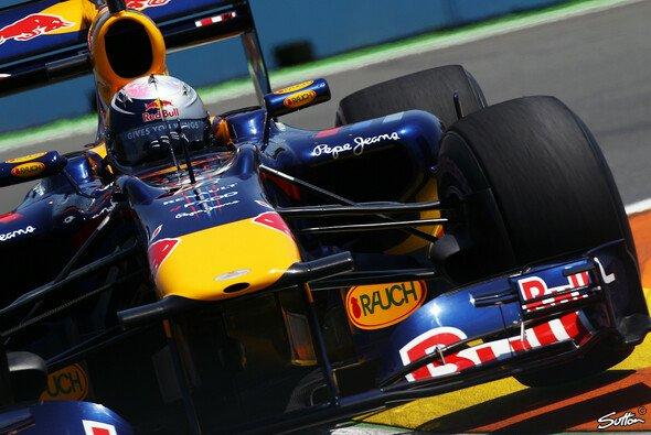 Sebastian Vettel startet von der Pole - Foto: Sutton
