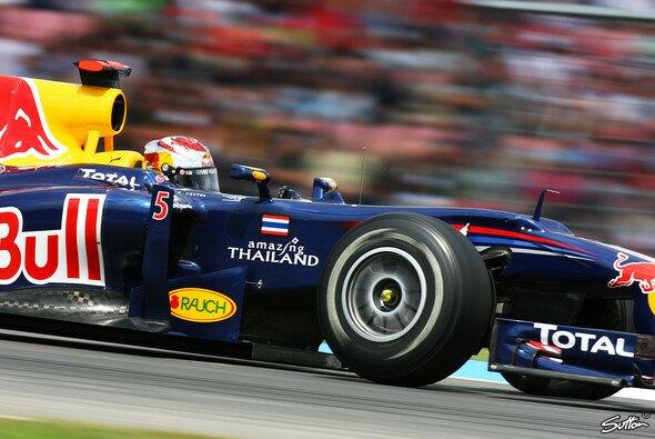 Sebastian Vettel fuhr die Bestzeit im 1. Training - Foto: Sutton