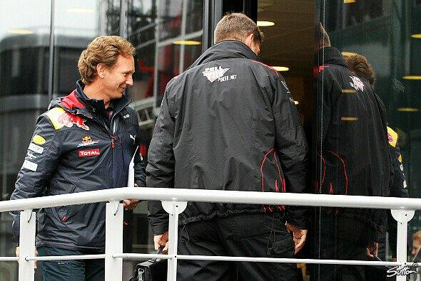 Die Teams wollen am Montag über die Testfahrten entscheiden - Foto: Sutton