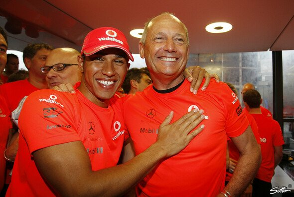 Ron Dennis feierte mit Lewis Hamilton den letzten WM-Titel von McLaren - Foto: Sutton