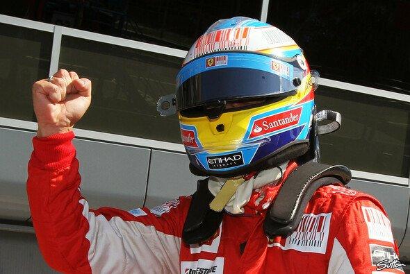 Fernando Alonso ließ sein Team und die Tifosi jubeln - Foto: Sutton