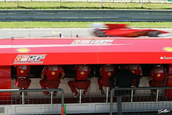 Fernando Alonso war nicht zu bremsen - Foto: Sutton