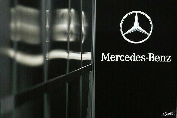 Mercedes Benz HighPerformanceEngines geehrt - Foto: Sutton