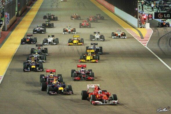 Sebastian Vettel jagte Fernando Alonso bis ins Ziel - Foto: Sutton