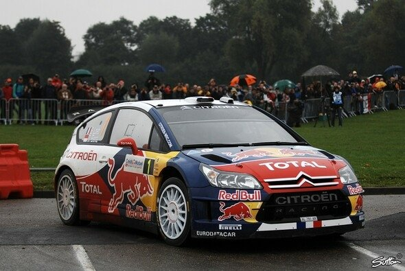 Rallye Fankreich, Halbzeit: Loeb in Front - Foto: Sutton