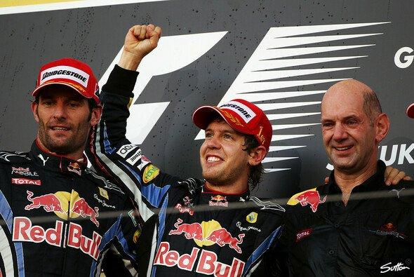Sebastian Vettel darf weiter angreifen - Foto: Sutton