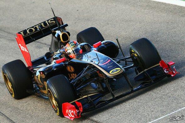 Robert Kubica pilotierte zuletzt im Februar 2011 einen Lotus Renault in Valencia - Foto: Sutton