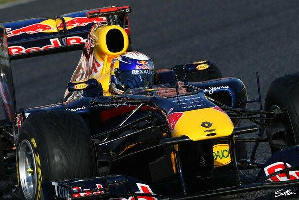 Sebastian Vettel macht sich um die Nebenwirkungen der Reifenabnutzung im Rennen Sorgen - Foto: Sutton