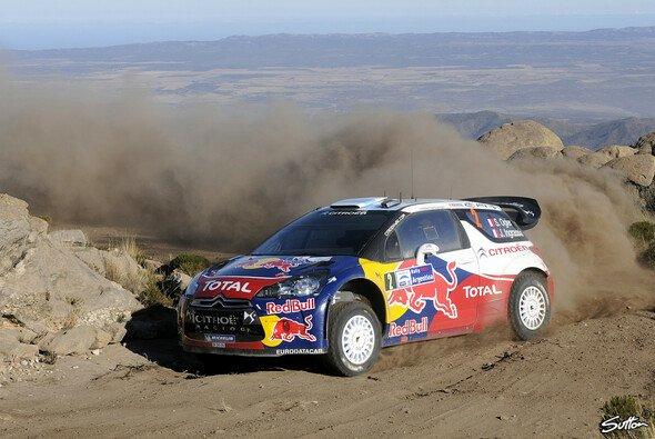 Sebastien Ogier liegt mit großem Vorsprung an der Spitze - Foto: Sutton
