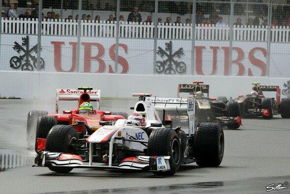 2011 mischte Kobayashi im Regen vorne mit - Foto: Sutton